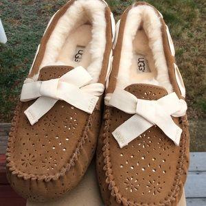 Ugg Dakota sunshine perf slippers